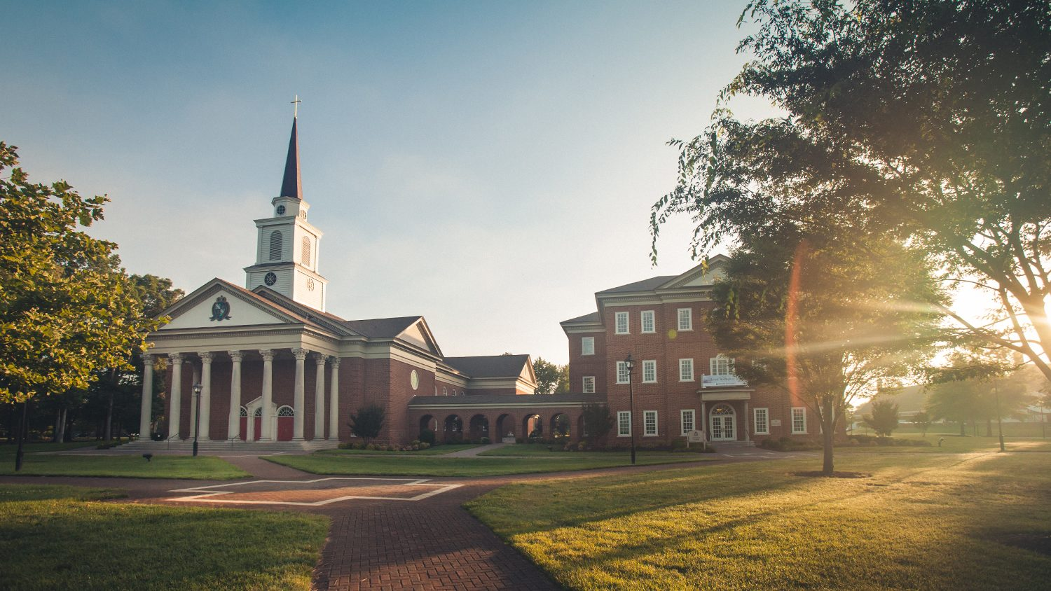 A professor of Regent University's divinity school was appointed to the Professional Advisory Group of the Hampton Roads Clinical Pastoral Education (CPE) Center at the Hampton Veterans Administration (VA) Medical Center.