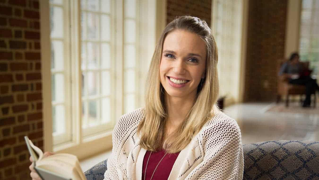 A graduate: Pursue a Certificate of Graduate Studies in Psychology and Counseling at Regent University.
