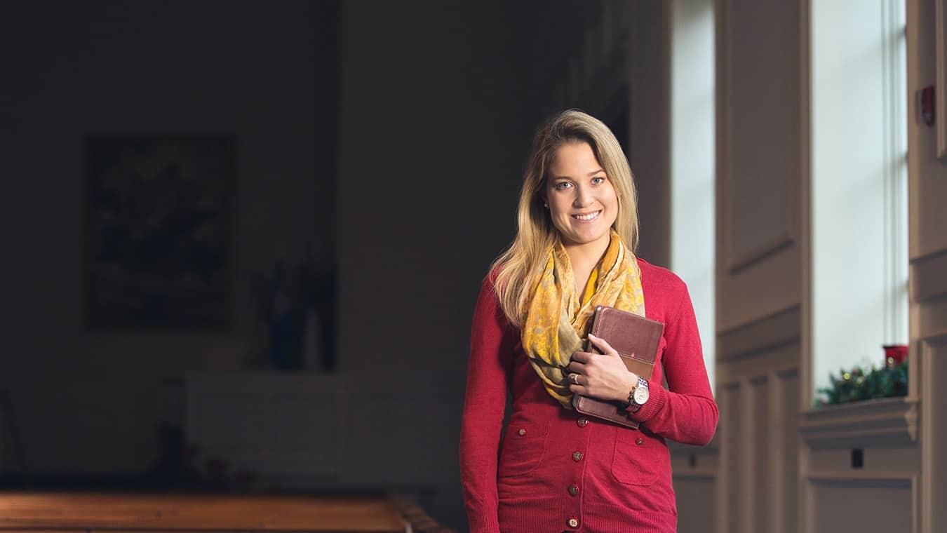 An alumna: Pursue an Associate of Arts in Christian Studies degree at Regent University.