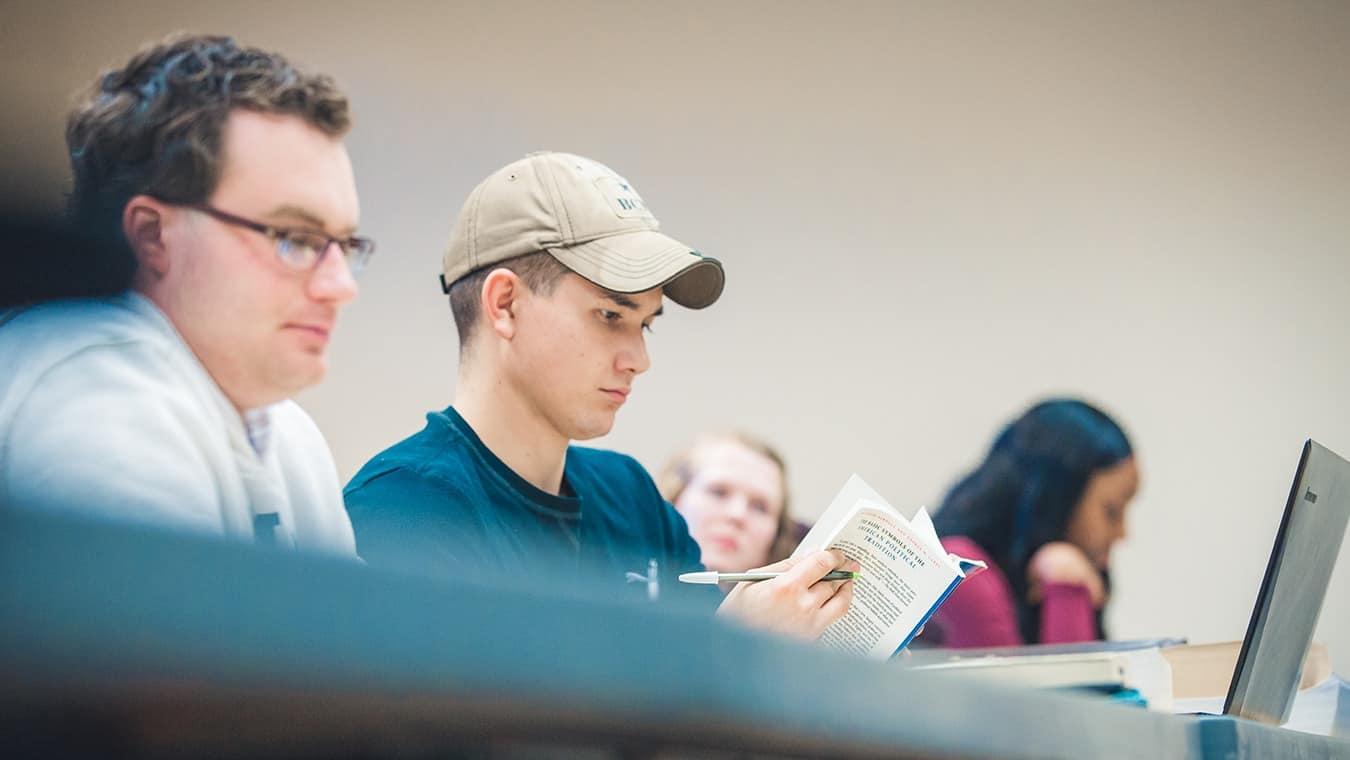 Explore the Associate of Arts in General Studies degree program offered by Regent University.