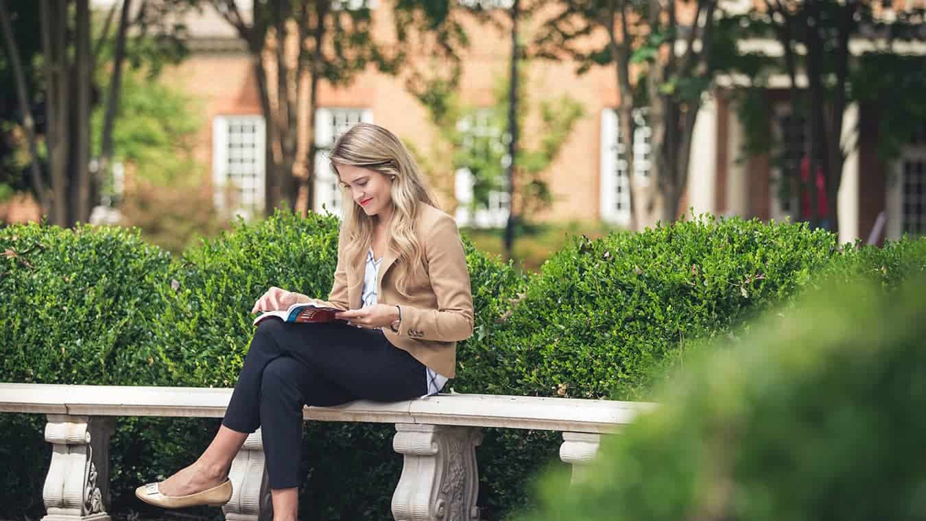 Pursue your BA in English degree with a Communication concentration at Regent University.