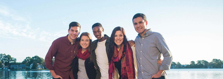 A group of Regent University alumni.