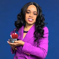 Regent Alumna Jessica Williams STEM Teacher of the Year